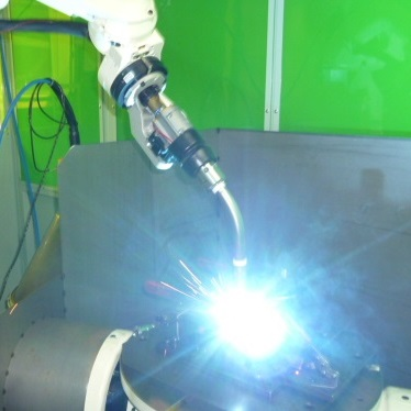 Synchro Stage and Robot Welding